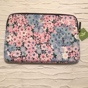 NWT Kate Spade Daisy Garden laptop sleeve